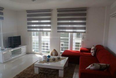 Ylellinen duplex-huoneisto vuokrattavana Konaklissa